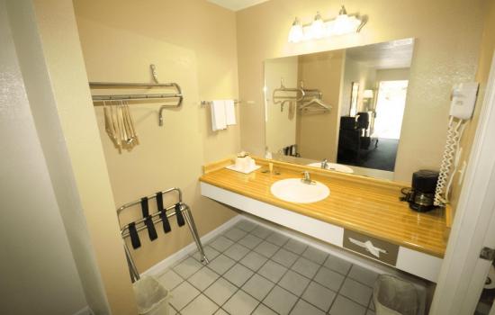 Regency Inn & Suites - Bathroom Sink Vanity