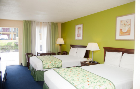 Regency Inn & Suites - 2 Double Beds In De Funiak Springs
